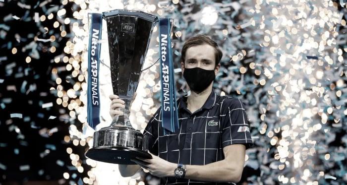 De virada, Medvedev vence Thiem e conquista título inédito do ATP Finals