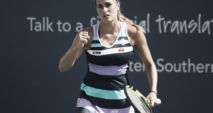 Monica Puig celebrates after defeating Mariana Duque-Mariño in the final round of qualifying at the 2017 Western & Southern Open.   Photo: Max Gao