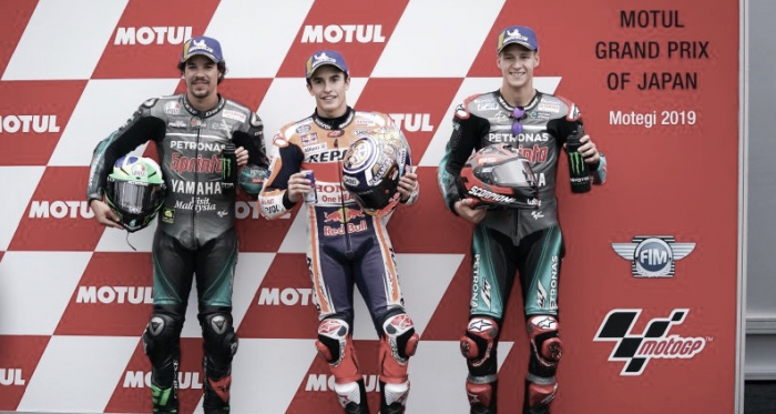 "<strong style=""text-align: start;""><font color=""#000000"" face=""-webkit-standard""><span style=""caret-color: rgb(0, 0, 0); font-style: normal;"">Márquez, Morbidelli y Quartararo</span></font></strong>&nbsp;/ Foto: Repsol Honda Team"