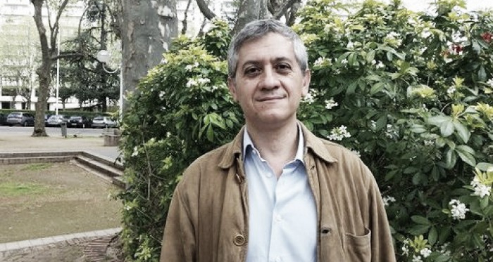 Jornalista Pippo Russo em entrevista (Foto: Franceculture.fr)