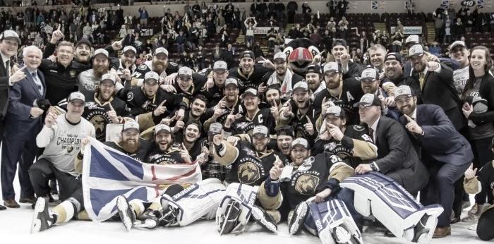 Newfoundland Growlers celebrando el título de campeón de la Kelly Cup | Foto: ECHL.com