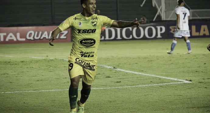 Nicolás Fernández la velocidad y el talento de Defensa y Justicia. Foto: Club Defensa y Justicia.