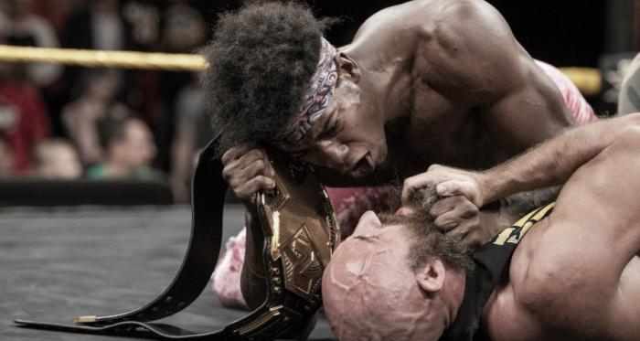 Ciampa luciendo débil por primera vez en mucho tiempo. Foto: Solowrestling.com