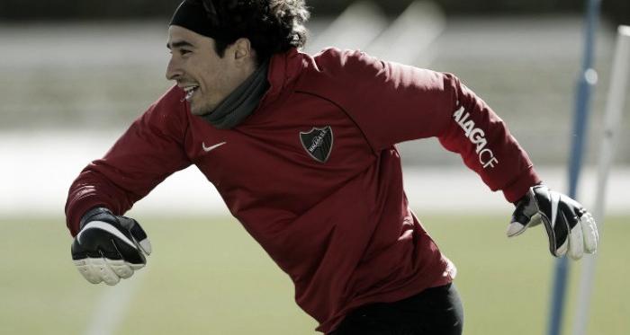 Ochoa durante un entrenamiento con el Málaga. Málaga CF