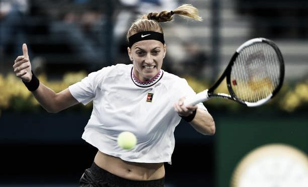 Petra Kvitova golpea una derecha durante su partido de hoy ante Hsie en Dubai. Foto: gettyimages.es