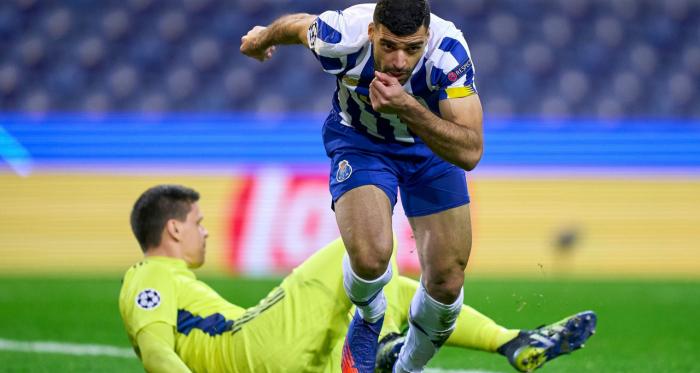 Chiesa tiene viva una brutta Juve: il Porto vince 2-1