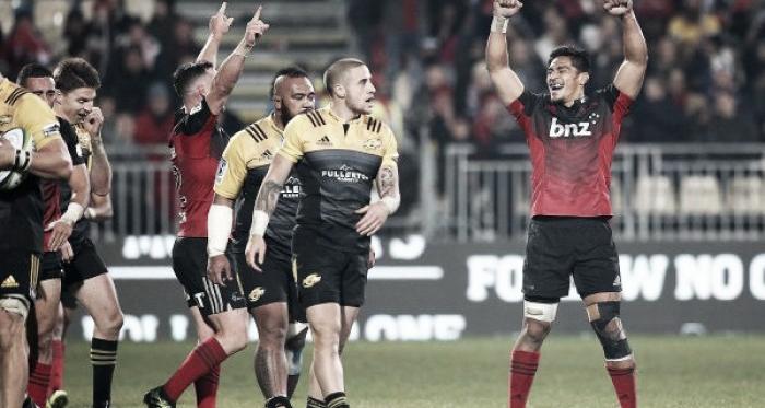 Por la duodécima semana, Crusaders le ganó a Hurricanes por 20-12, en Christchurch. ¿Se repetirá la foto? (Samoa Observer).