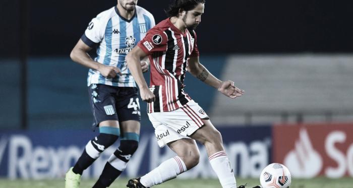 Em jogo equilibrado, São Paulo empata com Racing e segue na liderança do grupo