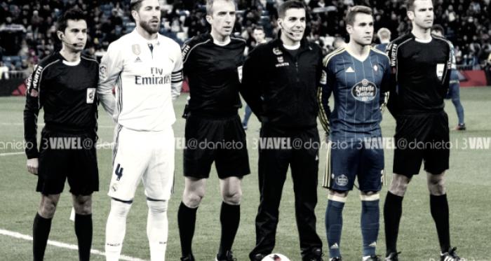 Los capitanes de Real Madrid y Celta posan para la foto junto al equipo arbitral I Foto: Daniel Nieto (VAVEL)