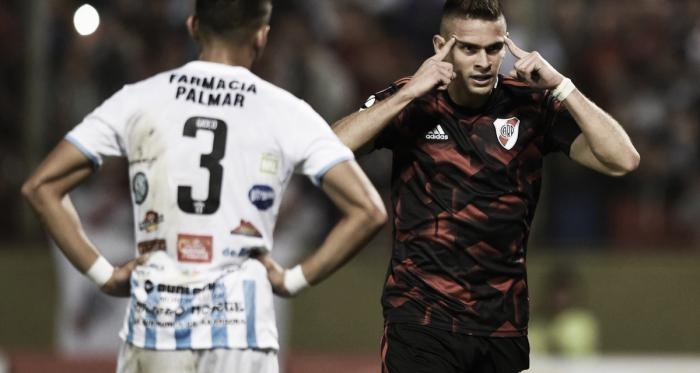 SE SACÓ LA MUFA. El colombiano volvió al gol tras estar más de 700 minutos sin convertir. FOTO: Prensa River.
