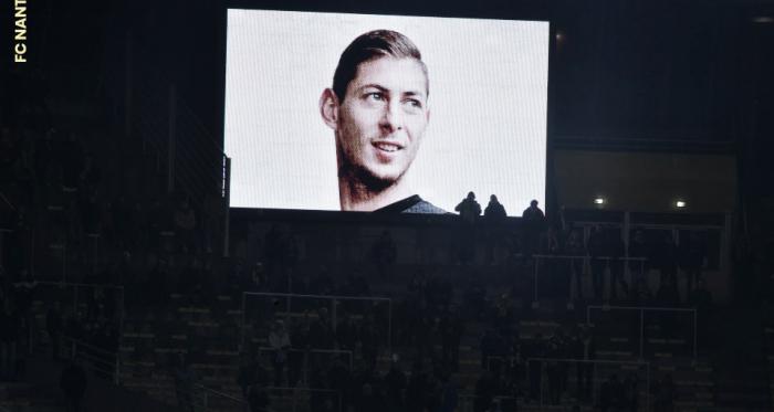 Argentino foi homenageado na última partida do Nantes na Copa da França (Foto: Divulgação/FC Nantes)