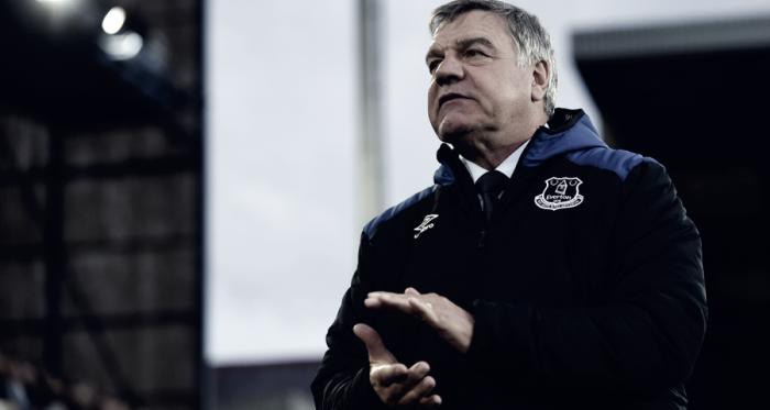 Sam Allardyce en sus últimos partidos con el Everton. Foto Everton.