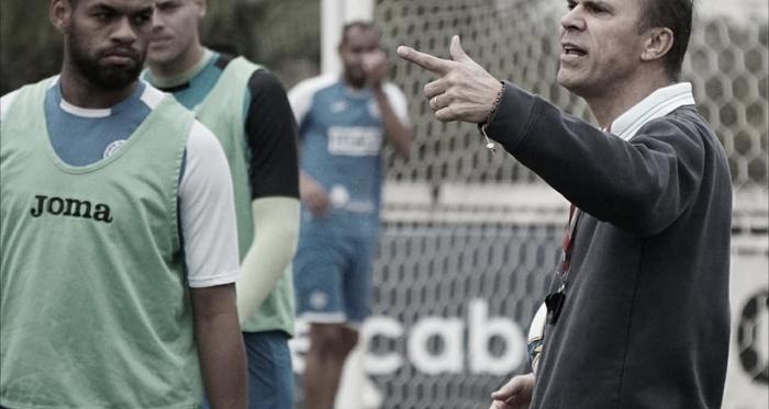 Azulão só pensa na vitória para ficar perto de sair do Z-4 (Foto: Neto Bonvino / Bento TV)