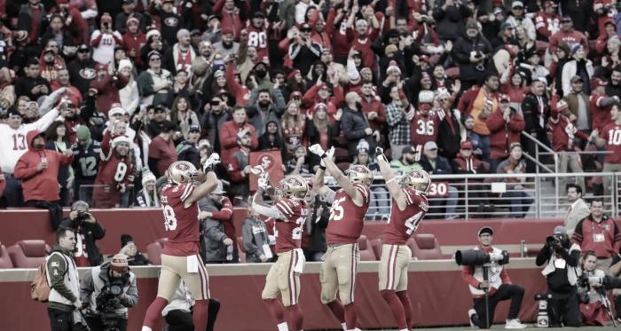 Los jugadores de San Francisco festejando una anotación (foto 49ers)