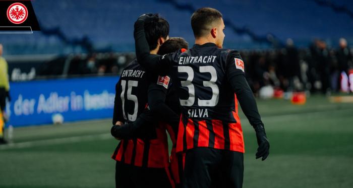 Il Leverkusen cade ancora: l'Eintracht vince 2-1 in rimonta