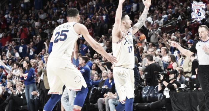 Resumen NBA: Warriors y Sixers pasan a la siguiente ronda