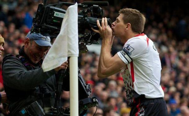 Les joueurs anglais peuvent bien embrasser ces caméras, ellesleur rapportent des millions d'euros.