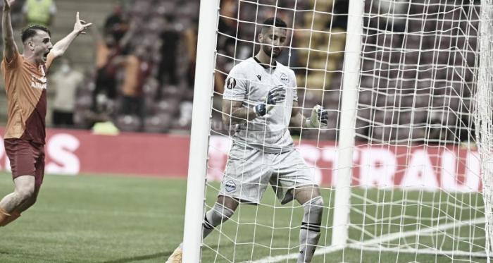 Com gol contra bizarro de Strakosha, Galatasaray vence a Lazio na estreia da UEFA Europa League