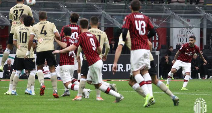"""Serie A- Suso """"punisce"""" la Spal, prima vittoria di Pioli con il Milan"""