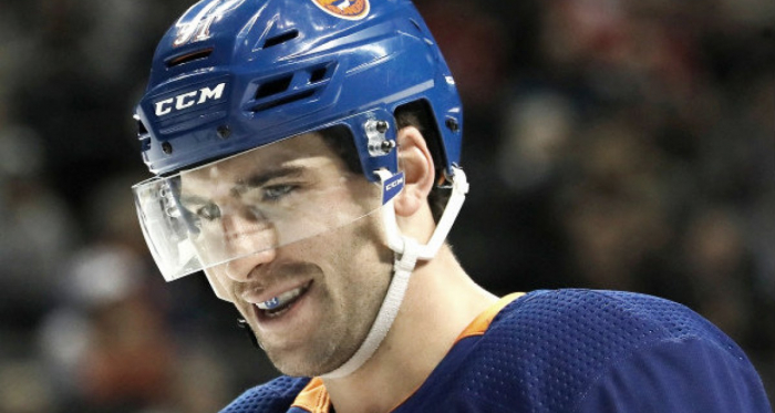 John Tavares should be all smiles after signing a huge contract with Toronto. (Photo: Paul J. Bereswill New York Post)