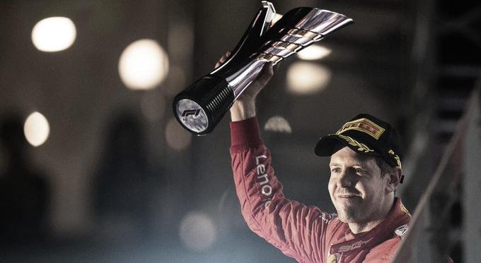 Vettel celebrando la victoria   Foto: Fórmula 1