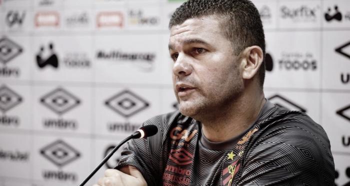 Sport entra na zona de rebaixamento, mas Louzer valoriza elenco e confia em reação no Brasileiro