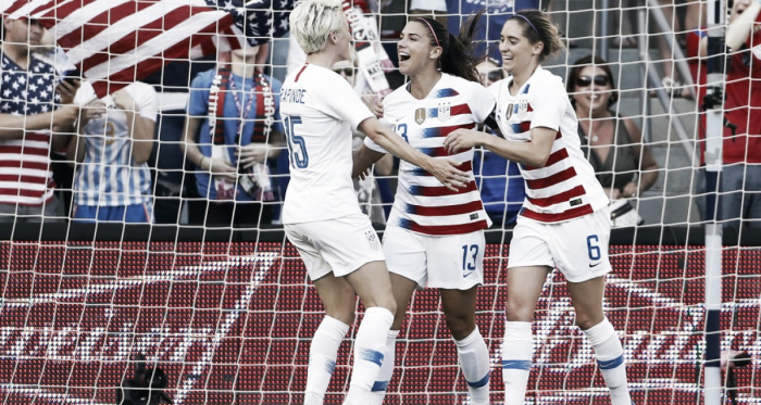 Megan Rapinoe, Alex Morgan and Morgan Brian celebrate at Children's Mercy Park in Kansas City, KS on July 26, 2018 | Photo: Colin E. Braley/AP Photo