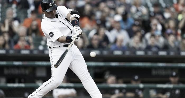 Cada temporada Cabrera sigue haciendo historia con el madero / Foto: Tigers.com.