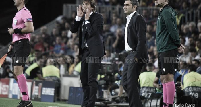 Valverde y Conte durante el encuentro en el Camp Nou   Foto: Noelia Déniz - VAVEL