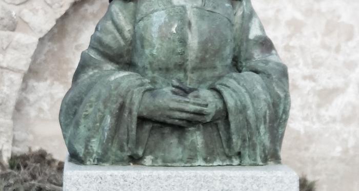 Monumento a la reina Juana en Santa María del Campo (imagen propia).