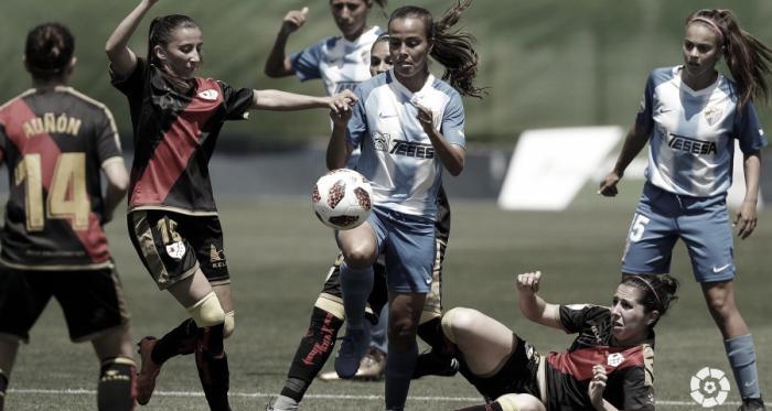 Sheila García luchando por un balón | Fotografía: La Liga