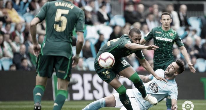 Bartra, Sidnei y Guardado en un partido de Liga. Foto: La Liga Santander