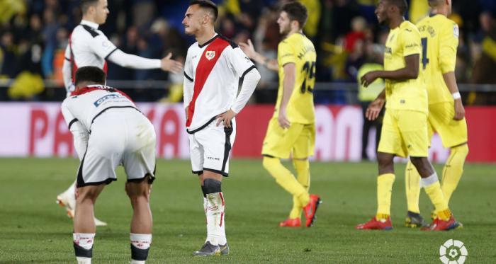 Jugadores del Rayo Vallecano lamentando el resultado | Fotografía: La Liga