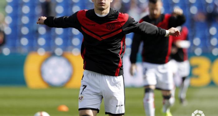 Álex Moreno calentando | Fotografía: La Liga