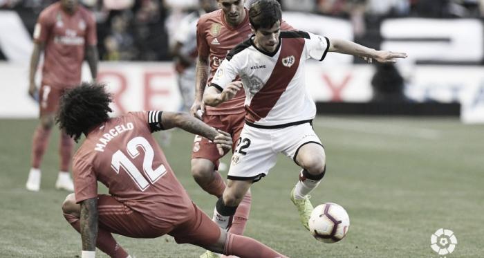 Pozo peleando la pelota | Foto: LaLiga Santander