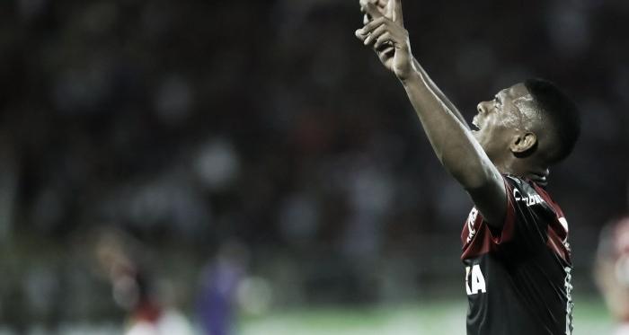 """Lucas Silva comemora e destaca empenho em título do Flamengo: """"Final não se joga, se ganha"""""""