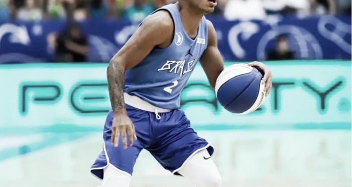 Yago de apenas 1.78 pode ser um dos jogadores mais baixos a serem escolhidos do draft (Foto: Divulgação/Paulistano)