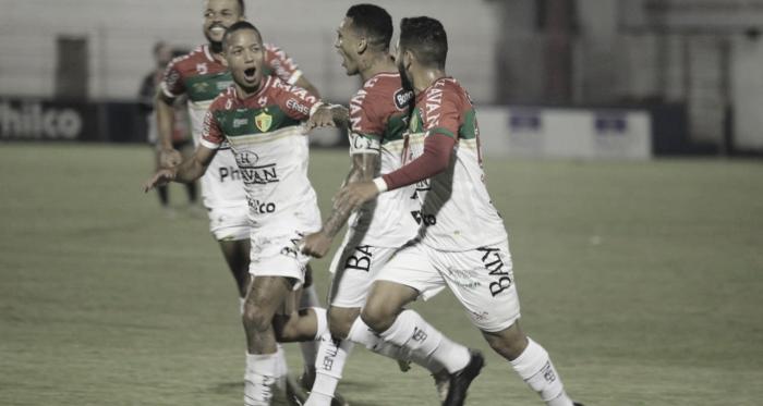 Brusque faz valer mando de campo, supera Joinville e garante vaga nas semifinais