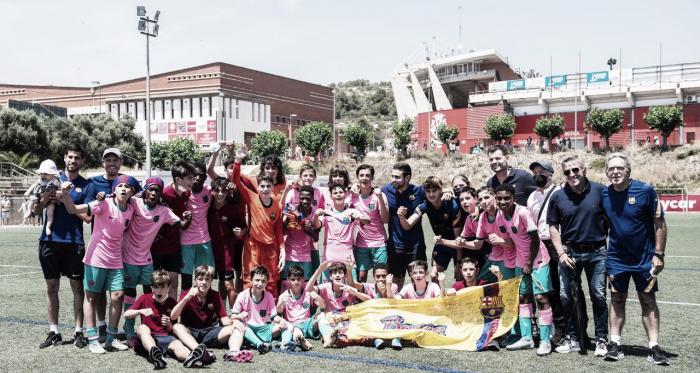 El FCB Infantil B se ciñe la tiara de campeón a ritmo de goleada