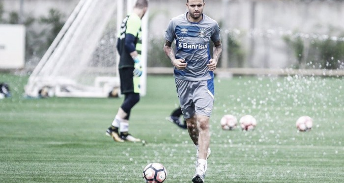 Luan e Geromel treinam e são relacionados à decisão contra Botafogo, mas seguem dúvidas