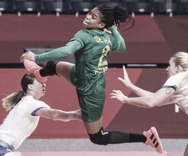 Brasileiras do handebol jogam bem e empatam com a Rússia, atual campeã olímpica