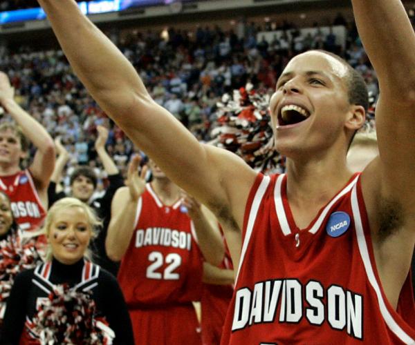 March Madness 2008 : Chef Stephen Curry met ses premières sauces en NCAA pour créer le miracle Davidson
