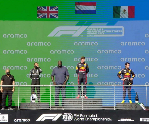 Max Verstappen se impone en Austin y mantiene su liderato; Checo vuelve a subir al podio