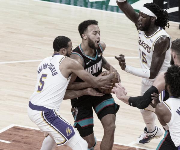 Lakers vs Grizzlies LIVE: Score Updates (121-118)