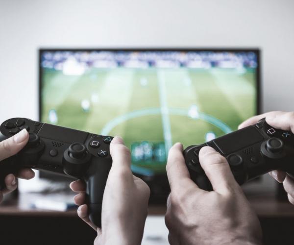 SporTV terá campeonato de futebol virtual com participação de jogadores e narrado por Everaldo Marques