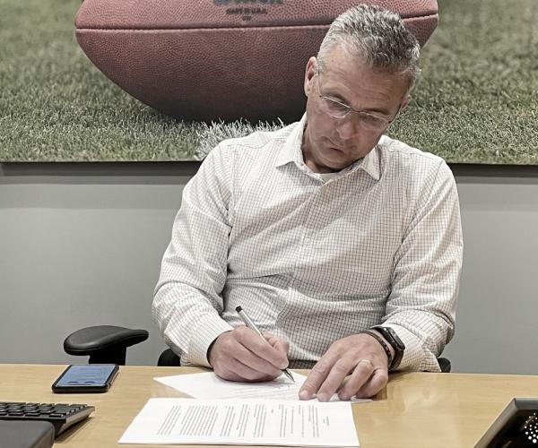 Jaguars anunciam Urban Meyer como novo treinador