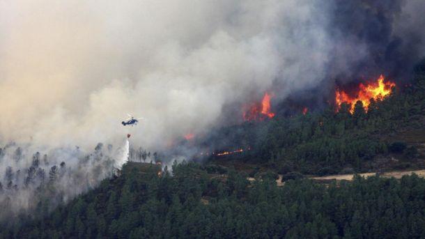El incendio en Sierra de Gata permanece estabilizado tras calcinar más de 5.000 hectáreas
