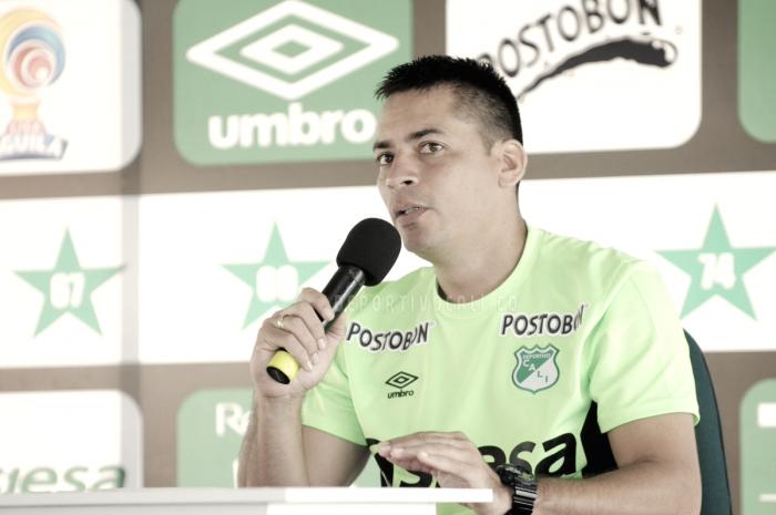 """Héctor Cárdenas: """"Poco a poco está asumiendo lo que el cuerpo técnico quiere"""""""