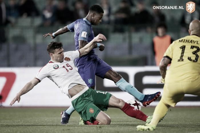OFICIAL: Danny Blind despedido da seleção da Holanda