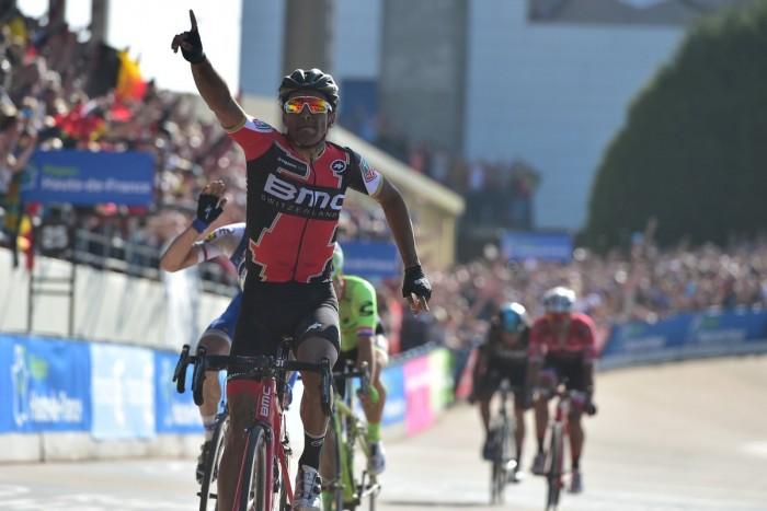 Parigi-Roubaix, gioia Van Avermaet nel giorno di Boonen! Prima Monumento per il campione olimpico